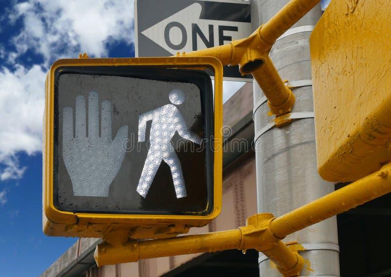 Semaforo di camminata del segno del pedone immagini stock libere da diritti