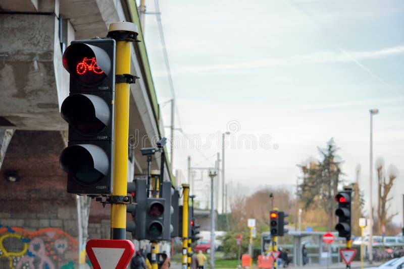Semaforo rosso per i ciclisti fotografie stock libere da diritti