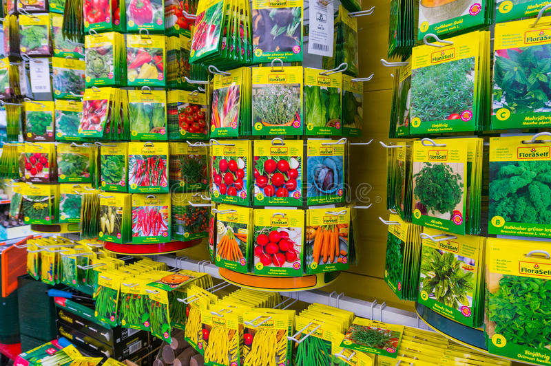 Sementes para o jardim vegetal foto de stock royalty free
