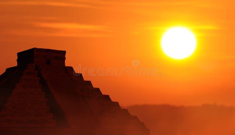 Semesterloppbegrepp till den Mayan kulturen arkivbilder