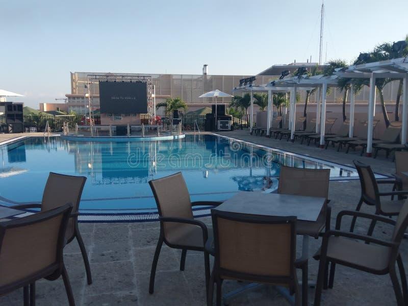 semesterort egenskap, simbassäng, fritid, fastighet, hotell, lägenhet royaltyfri bild