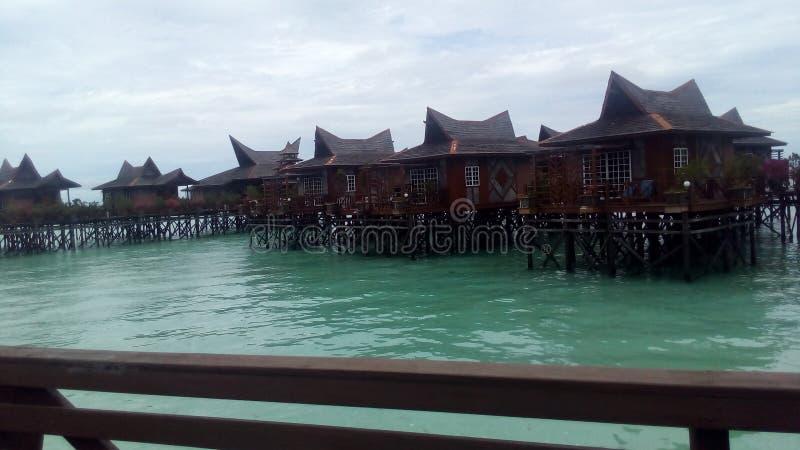 Semesterort i Pulau Mabul royaltyfri fotografi