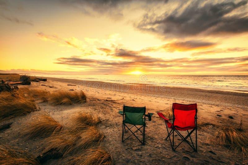 Semestertid på den Haast stranden i den södra ön av Nya Zeeland royaltyfri fotografi