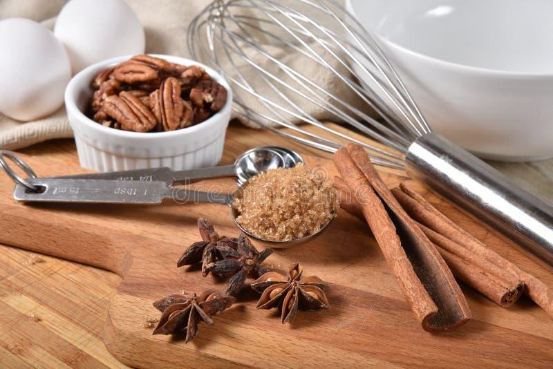 Semestra laga mat kryddor royaltyfri fotografi