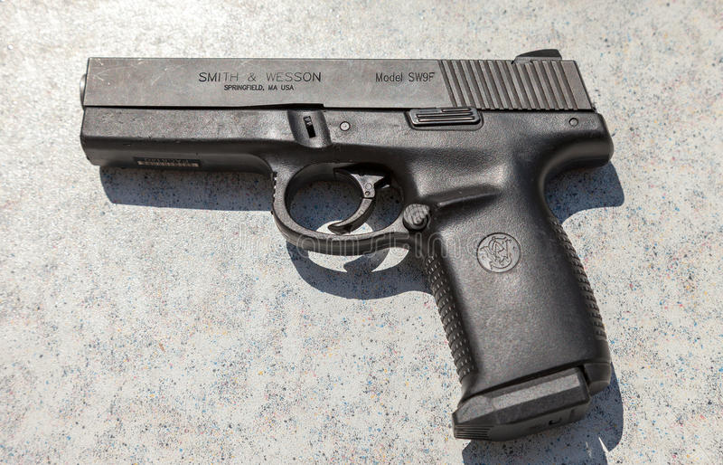 Semi automatyczny pistolecik Smith & Wesson zdjęcie stock