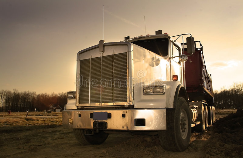 Semi camion enorme fotografia stock libera da diritti
