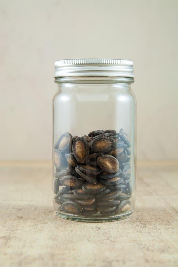 Semi dell'anguria in bottiglia fotografie stock