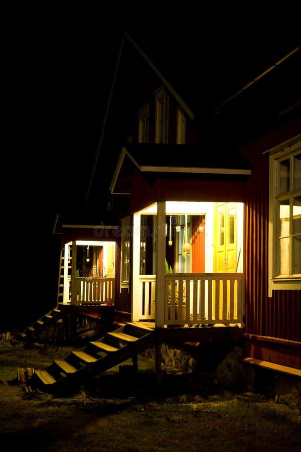 Semi-detached huizen bij nacht royalty-vrije stock afbeeldingen