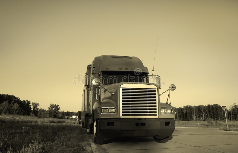 Download Semi Truck Royalty Free Stock Photography - Image: 2598017
