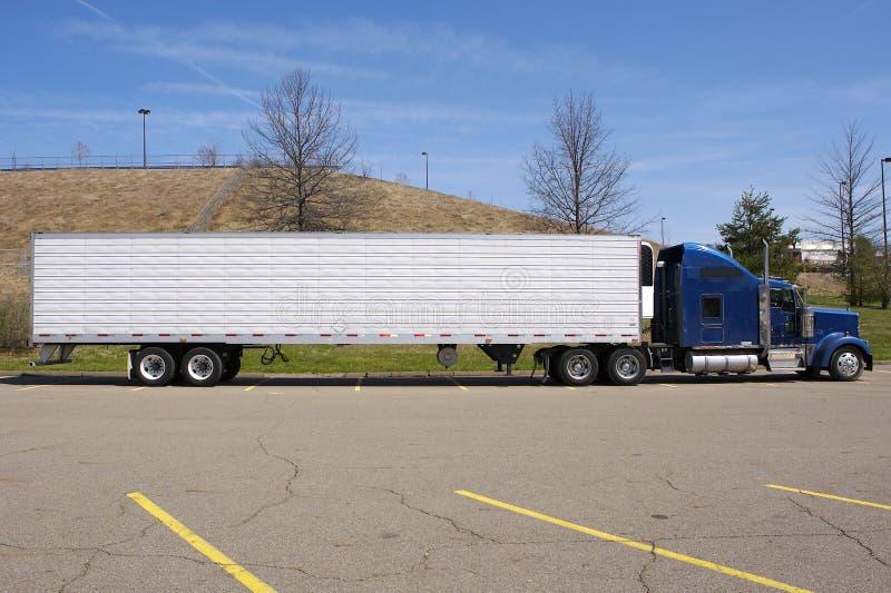 Semi Vrachtwagen royalty-vrije stock afbeelding
