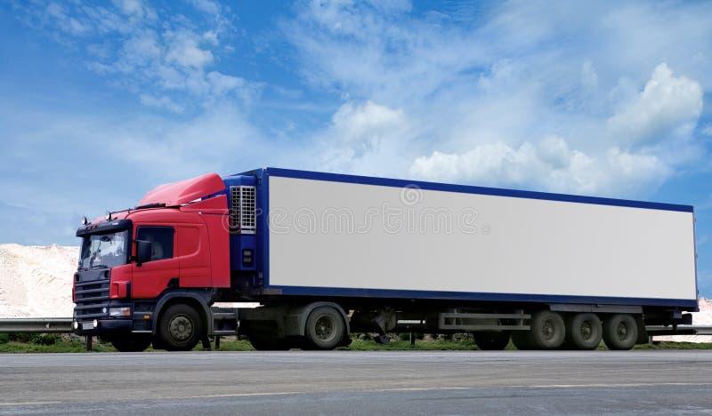Semi vrachtwagen en aanhangwagen royalty-vrije stock afbeeldingen