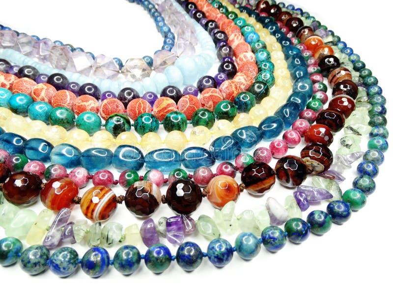 Semigem halsband med ljusa kristallsmycken royaltyfri foto