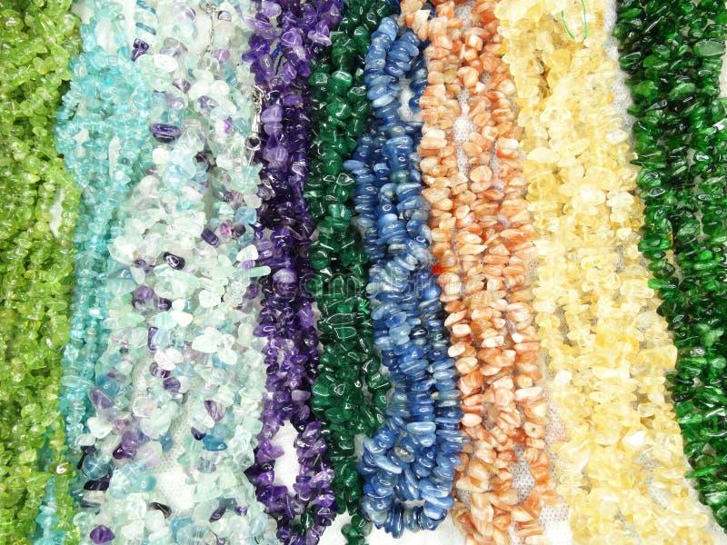 Semigem halsband med ljusa kristallsmycken fotografering för bildbyråer