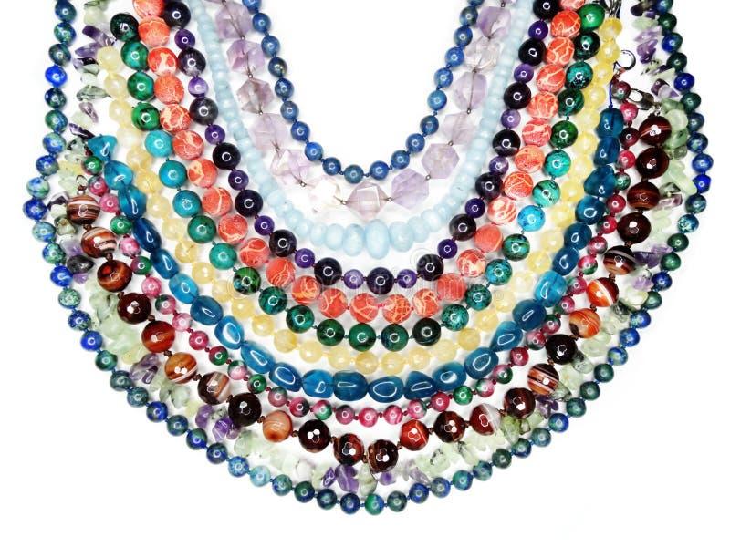 Semigem halsband med ljusa kristallsmycken arkivfoton