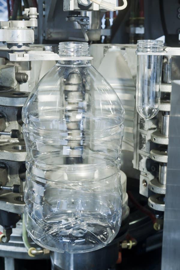Semilavorati della bottiglia dell'ANIMALE DOMESTICO immagine stock libera da diritti