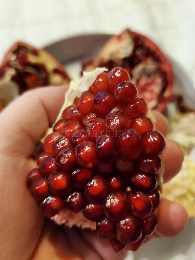 Semillas granadas de fruta deliciosa fotos de archivo libres de regalías