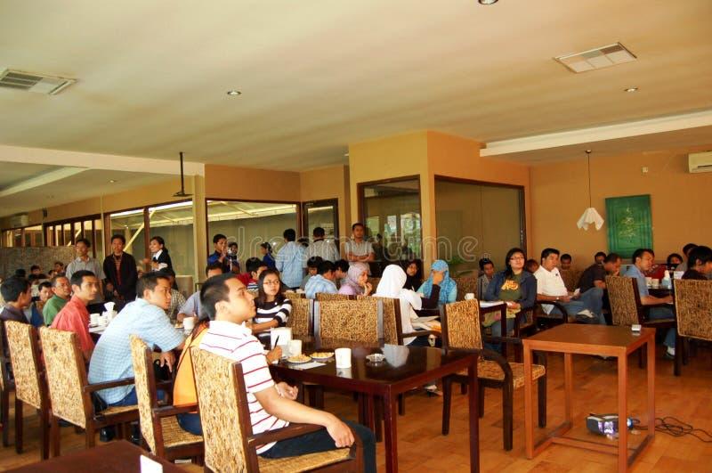 Seminar auf Café stockbild