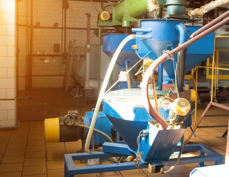 Seminarium för produktionen och bearbeta av rapsen, biobränsleproduktion, produktion av rapsolja royaltyfria foton