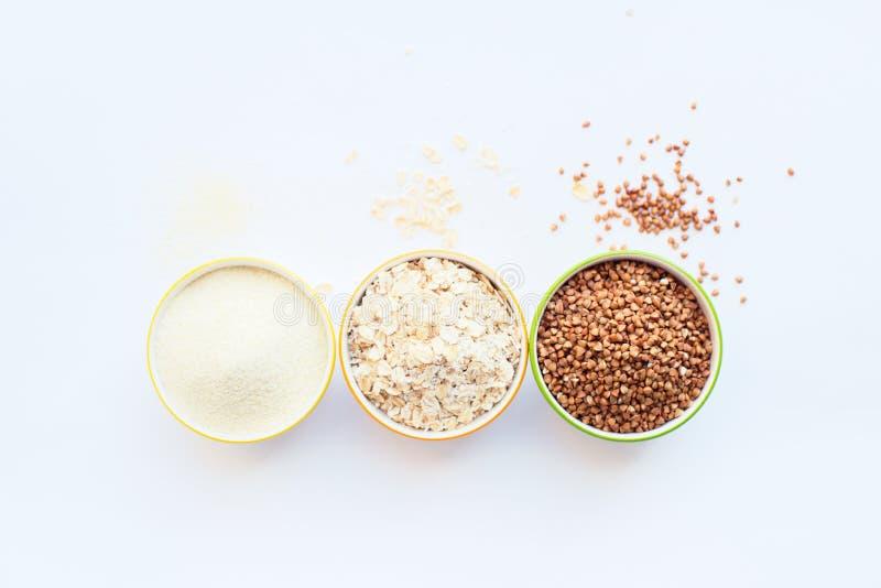 Semoule, gruau, riz, sarrasin Placez de divers images stock