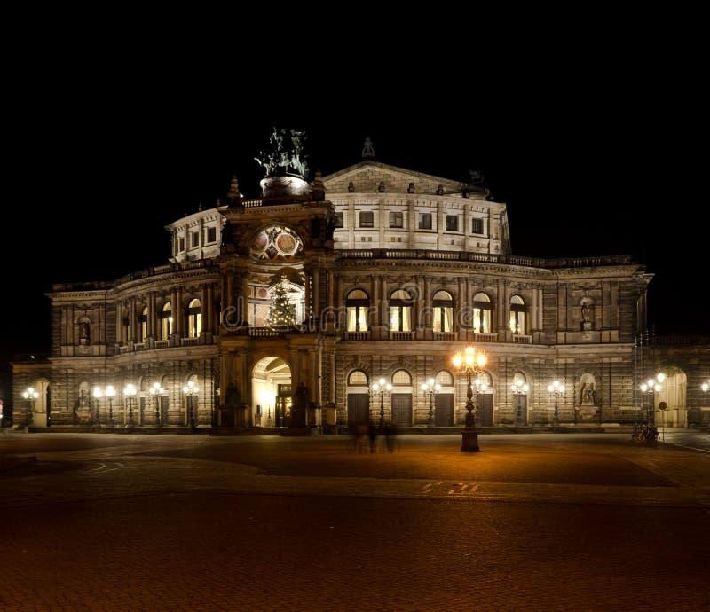 Semper-Oper nachts stockfotos