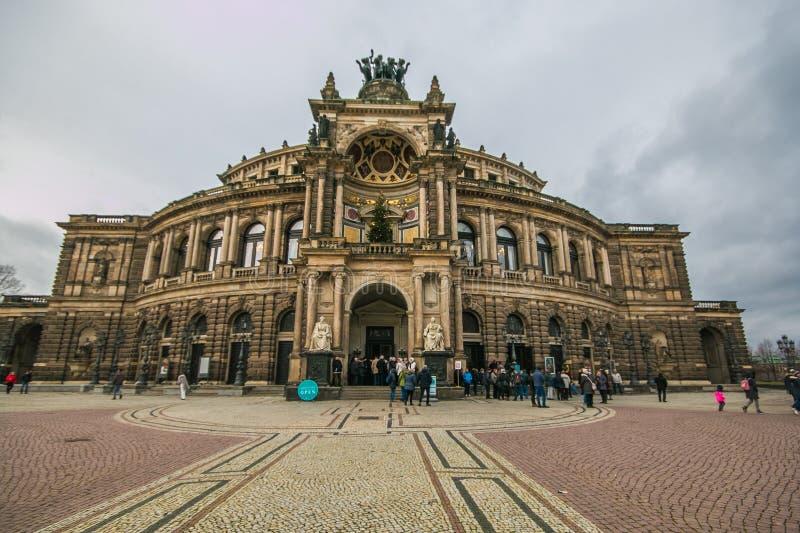 Semperoper - het Operahuis van de Saksische Opera Dresden, Duitsland van de Staat stock foto