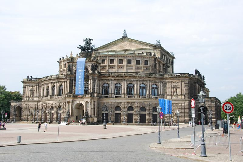 Download Semperopera dresden editorial photography. Image of city - 27994402