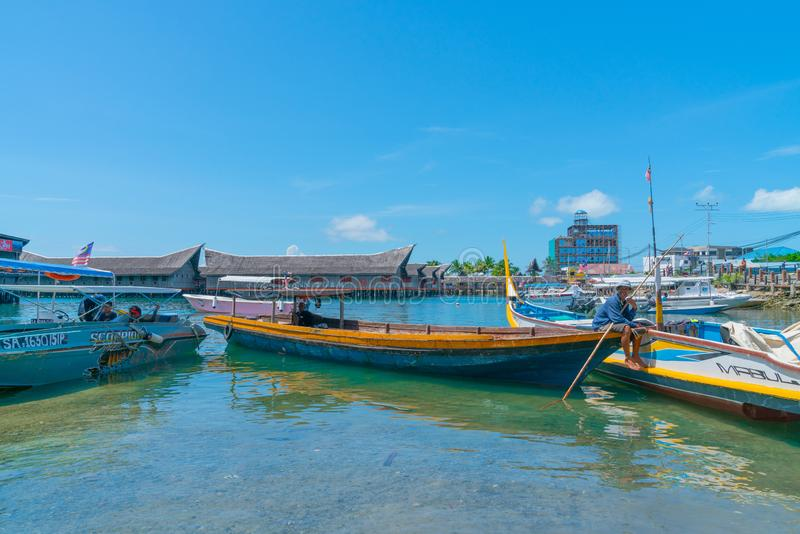 Semporna, Sabah-de haven van de toeristenkleine boot royalty-vrije stock foto's