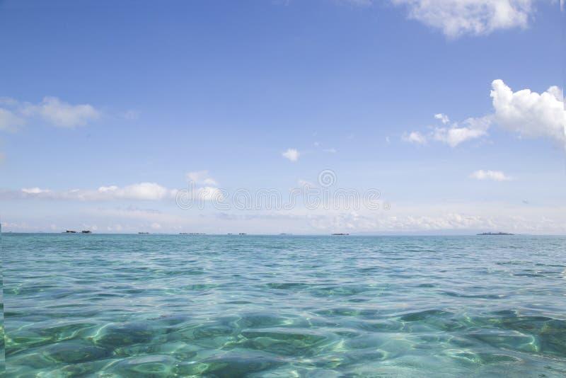Semporna Tanjung är stranden arkivfoton