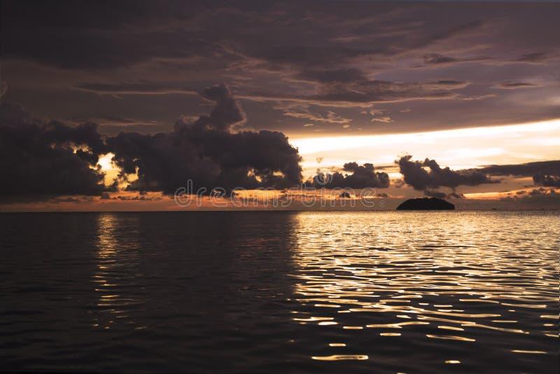 Semporna Tanjung är stranden royaltyfri fotografi