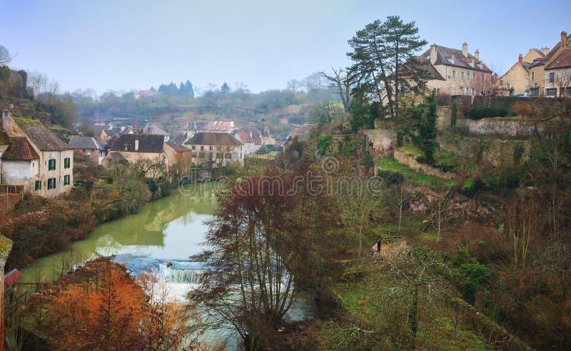 Semur-en-Auxois royaltyfri bild