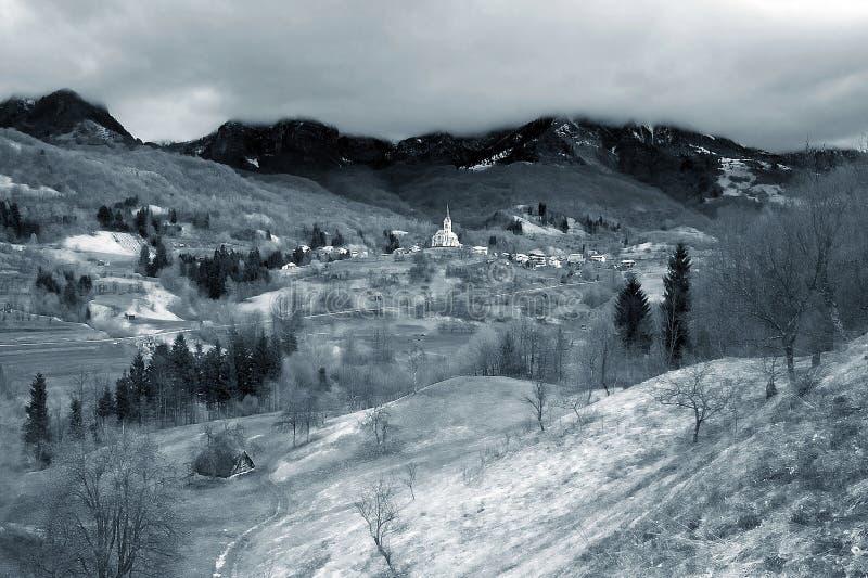 Download Sen krajobrazu obraz stock. Obraz złożonej z góra, mistyczny - 36385