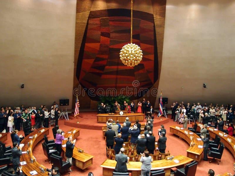 Senador Daniel Akaka consigue la ovación de pie de la audiencia imagen de archivo