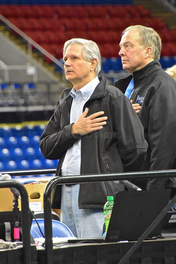 Senator John Hoeven in Fargo Marathon stock afbeeldingen
