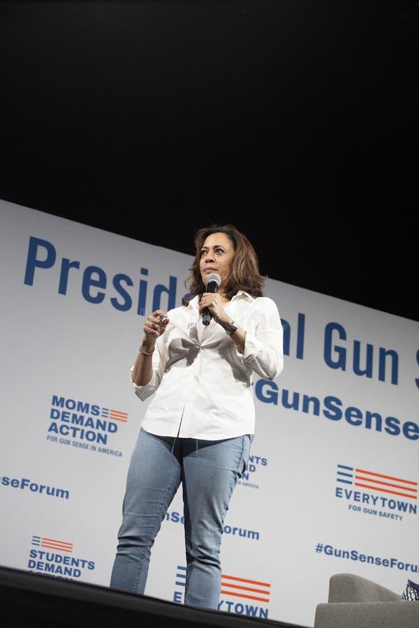 Senator Kamala Harris spreekt bij het Forum van de Kanonveiligheid, 8 Augustus, 2019 royalty-vrije stock fotografie