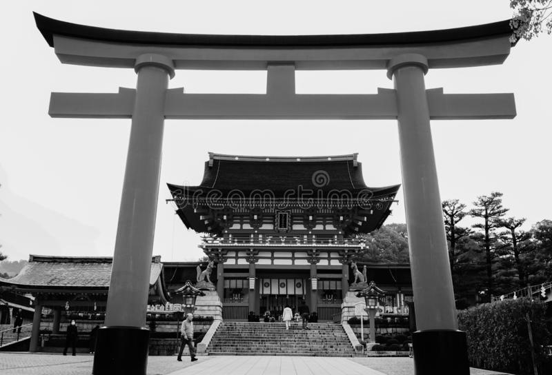 Senbon Torii en la capilla de Fushimi Inari Taisha imagenes de archivo