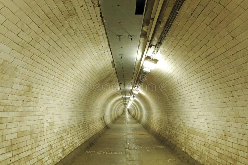 Senda para peatones del túnel de Greenwich, Londres fotos de archivo