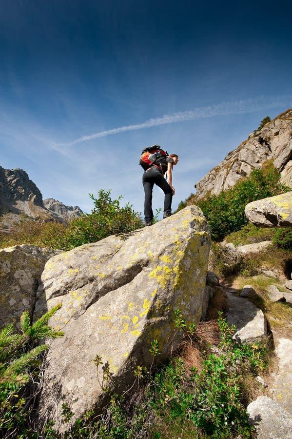 Senderismo de la montaña foto de archivo libre de regalías