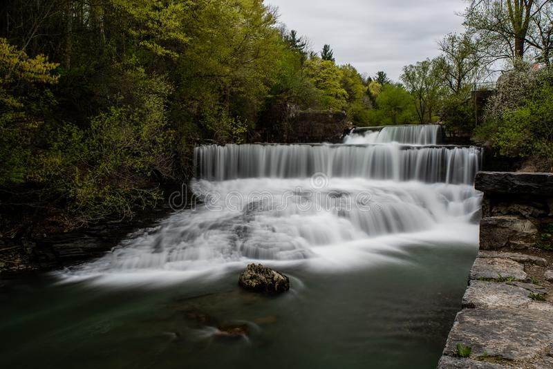Seneca Mill Falls - exposição longa - cachoeira - New York fotografia de stock
