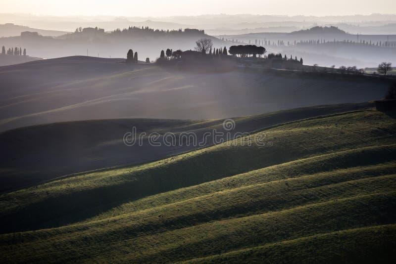 Download Senesi Van Kreta, Het Rollen Heuvelszonsondergang. Toscanië, Italië Stock Foto - Afbeelding bestaande uit europa, weide: 39115388