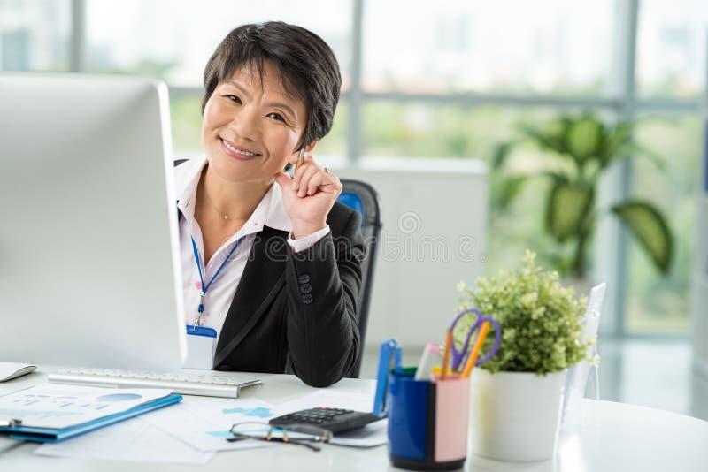 Senhora asiática do negócio fotografia de stock royalty free