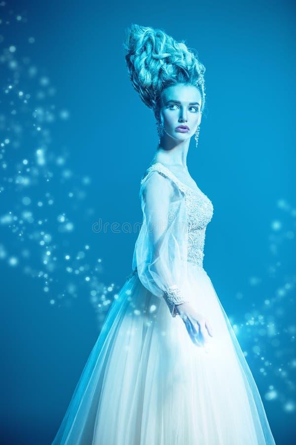 Senhora bonita fria imagem de stock royalty free