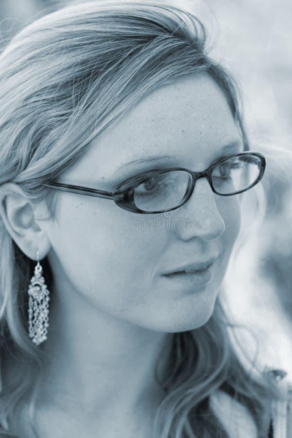 Senhora com vidros fotografia de stock royalty free