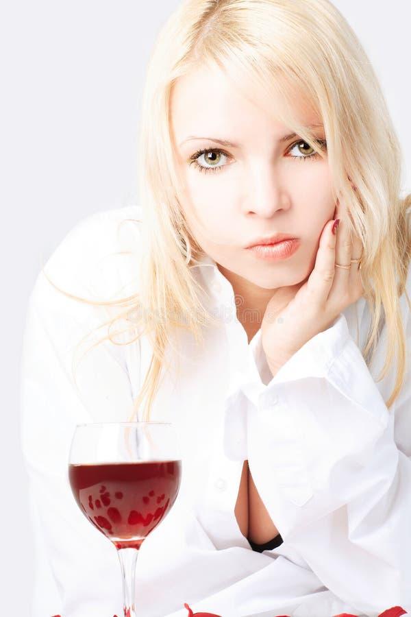 Senhora com vinho fotografia de stock royalty free
