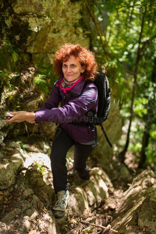 Senhora do caminhante em uma fuga imagem de stock