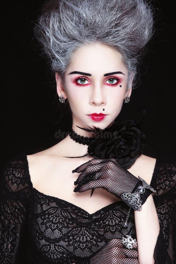 Senhora em luvas do fishnet fotografia de stock royalty free