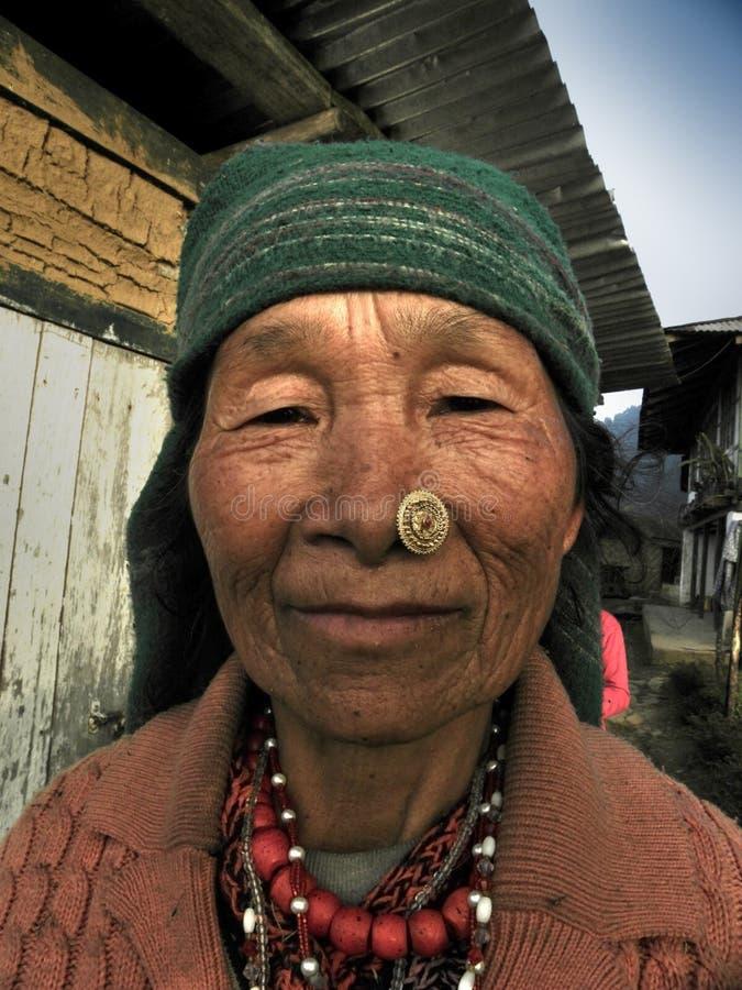 Senhora idosa com enrugamento fotografia de stock