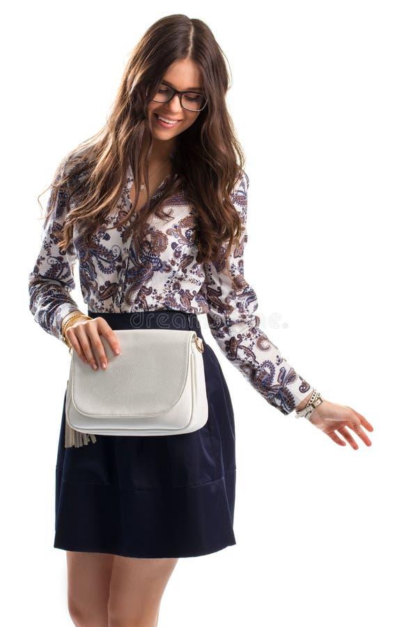 Senhora no sorriso floral da camisa foto de stock