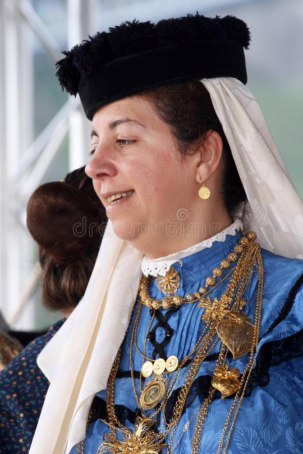 Senhora portuguesa do folclore imagens de stock royalty free
