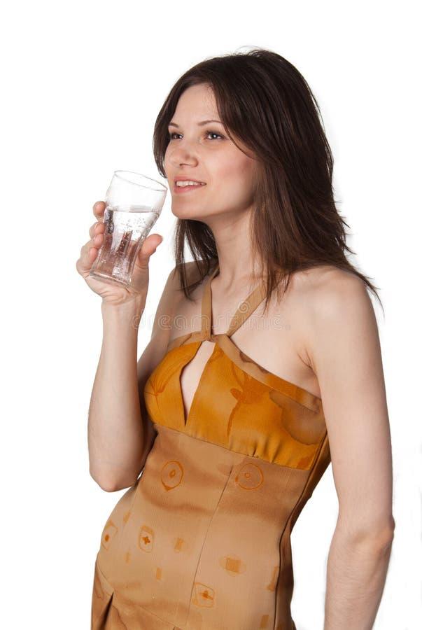 A senhora quer beber a água sparkling fotografia de stock