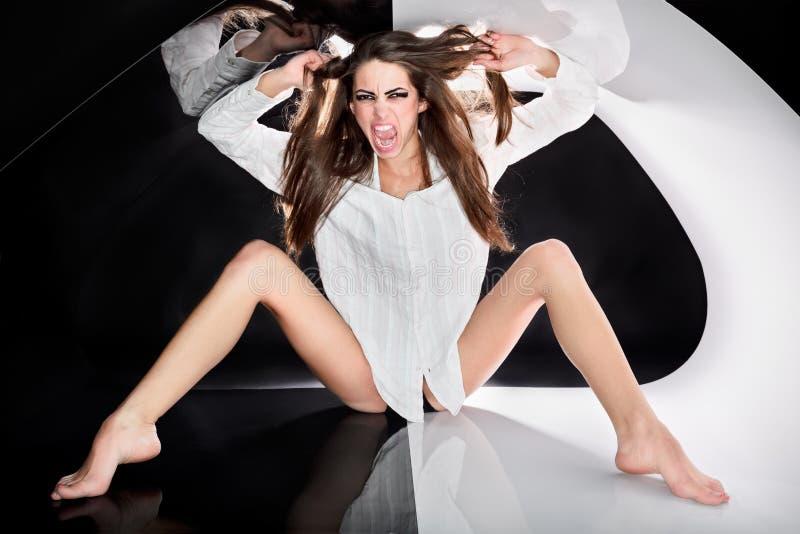 Senhora 'sexy' agressiva nova foto de stock